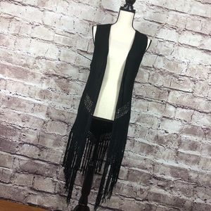 Cool & Hip Boho woven fringe vest - Versatile!!